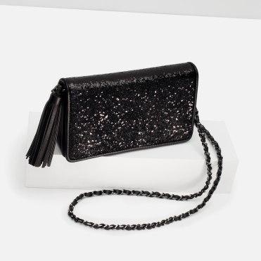 Petit sac à bandoulière, Zara, 19,95 euros
