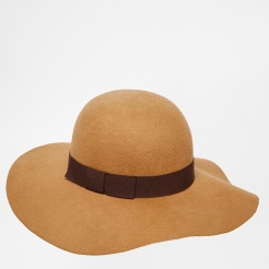 Chapeau mou en laine à bord large, Liquorish, 34,99 euros