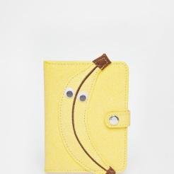 Porte-passeport banane, SkinnyDip, 19,99 euros