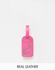 Etiquette à bagage en cuir rose, Undercover, 11,99 euros