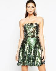 Mini robe bandeau ornée de sequins, Asos Night, 82,49 euros
