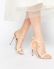 Sandales à talons Heart to Heart, Asos, 30,99 euros