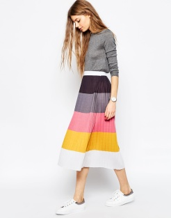 Jupe mi-longue plissée color block, Asos, 49,99 euros