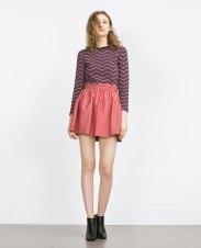 Mini jupe taille élastique, Zara, 29,95 euros
