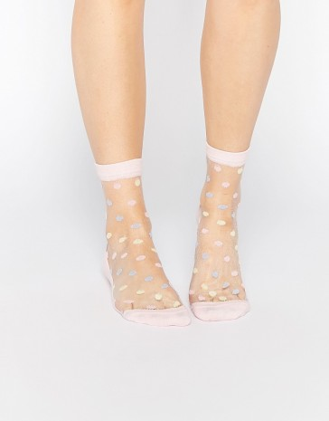 Socquettes pastel transparentes à pois, Asos, 5,99 euros