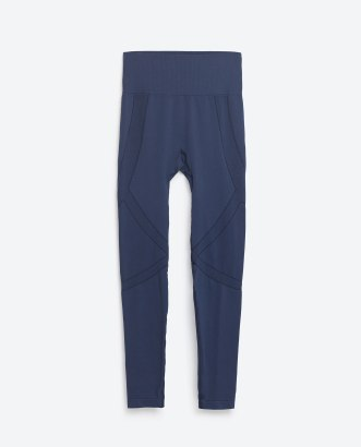 Legging structuré à découpes, Zara, 17,95 euros