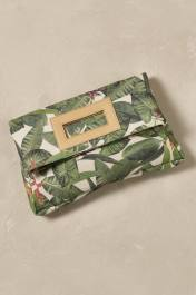 Pochette repliée Riviera, Anthropologie, 127 euros