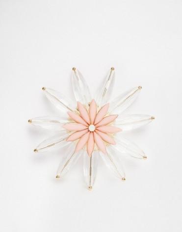 Broche fleur avec centre opaque, Asos, 11,50 euros