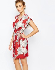 Robe mi-longue fleurie à manches carrées, Closet, 78 euros
