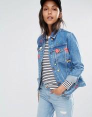 Veste en jean avec écussons, River Island, 86 euros
