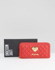 Porte-monnaie matelassé, Love Moschino, 120 euros