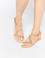 Sandales plates ornementées Flirty, Asos, 23 euros