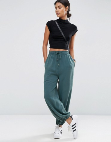 Pantalon casual délavé blousant, Asos, 43 euros