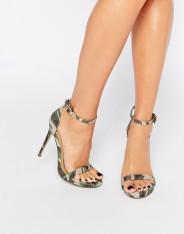 Chaussures à talons imprimé camouflage, Missguided, 35 euros
