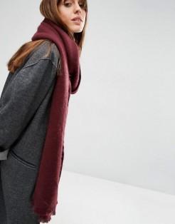 Longue écharpe tissée ultra douce, Asos, 16 euros