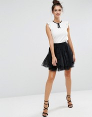 Mini-jupe de bal de fin d'année d'Halloween en tulle à pois floqués, Asos, 54 euros