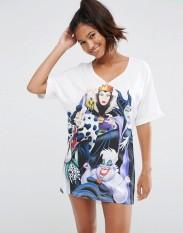 T-shirt de nuit à imprimé « méchants » de Disney, Asos, 27 euros