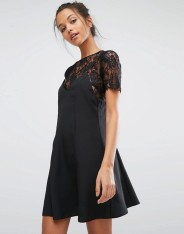 Robe caraco 2 en 1 avec superposition en dentelle, Miss Selfridge, 55 euros