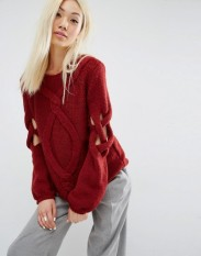 Pull tricoté main avec manches torsadées ajourées à effet croisillon, Oneon, 160 euros