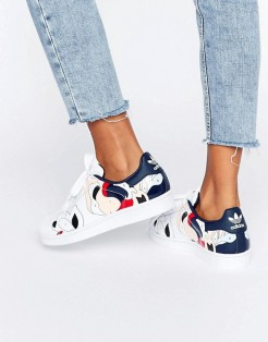 Baskets Superstar taches de peinture, Adidas Originals X Rita Ora, 120 euros