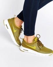 Baskets Air Max Thea Kaki et jaune, Nike, 145 euros
