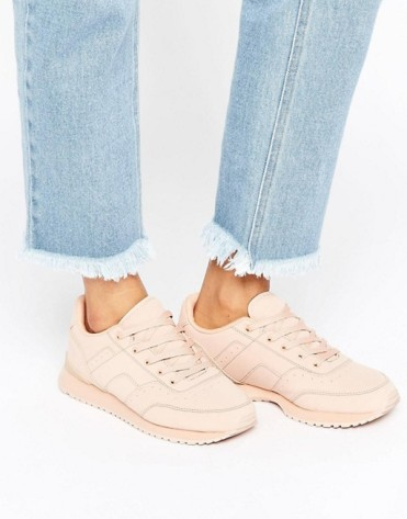 Baskets à lacets nude, Pull&Bear, 43 euros