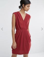 Robe Amber sans manches, Y.A.S, 70 euros