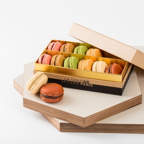 Assortiment de 12 macarons classiques, La Grande Epicerie de Paris, 20,40 euros