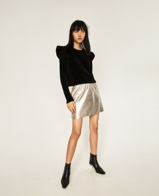 Mini jupe en simili cuir, 19,95 euros, Zara