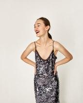Robe à paillettes, 69,95 euros, Zara