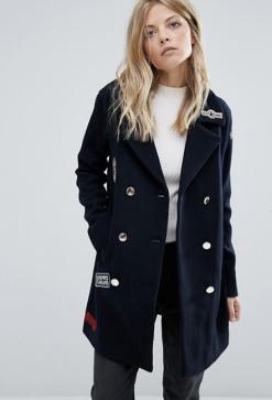 Manteau style militaire avec écussons, Mango, 120 euros