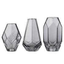 Set de 3 vases en verre fumé, Bloomingville, Twicy, 21,75 euros