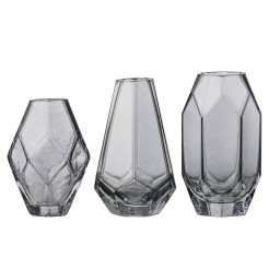 Set de 3 vases en verre fumé, Bloomingville, Twicy, 21,75 euros