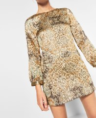 Robe en jacquard brillante, Zara, 29,99 euros