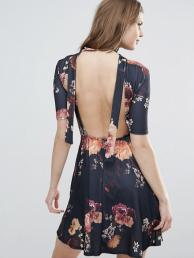 Robe à fleurs et dos ouvert, 37,99 euros, Oh My Love Tall