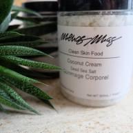Coconut Cream – Body Scrub + Bath Soak, Menos Mas, 38 euros